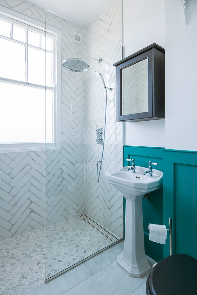turquoise bathroom - BRUDENELL ROAD